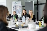 Familienministerin Juliane Bogner-Strauß spricht beim Women Executive Breakfast